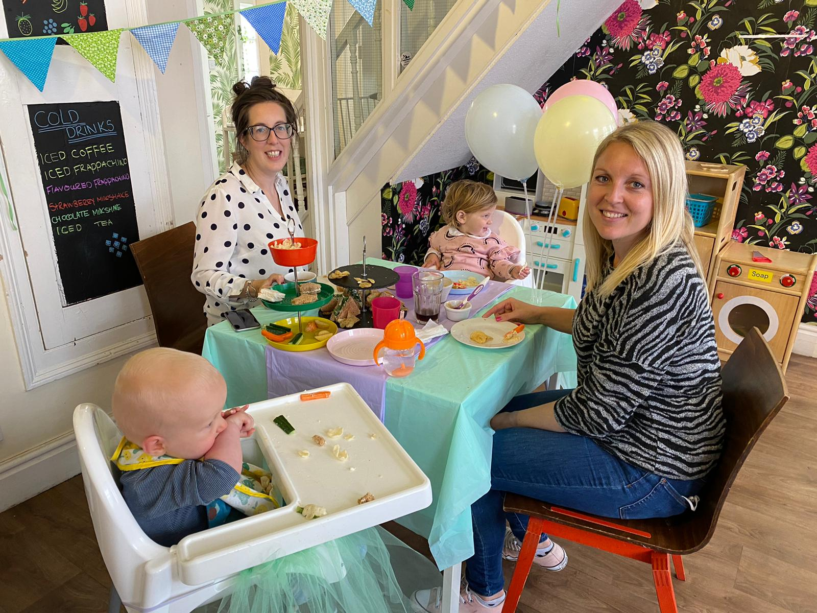 Baby Eats Out, Hitchin, Hertfordshire, Mama Baby P