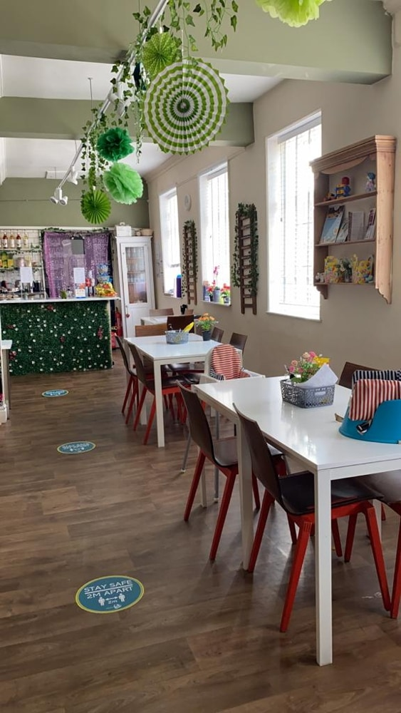 Mama, Baby Play, Hitchin, Hertfordshire, Baby Eats Out